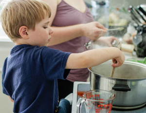 image-20150207-28608-wcq16n_child-cooking-300x232